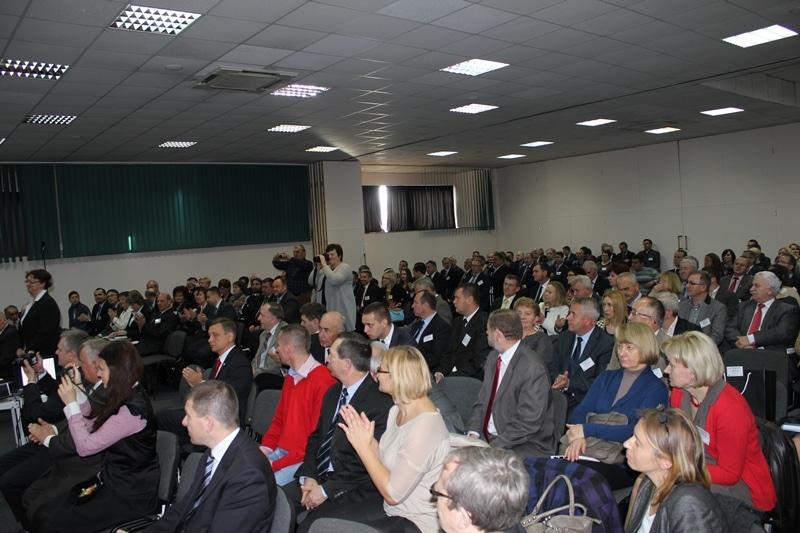 Konferencja zgromadziła bardzo wielu przedstawicieli samorządów, rolników, instytucji pracujących na rzecz rolnictwa i mieszkańców wsi