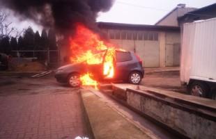 Z ostatniej chwili: Eksplozja samochodu w Przasnyszu - wideo