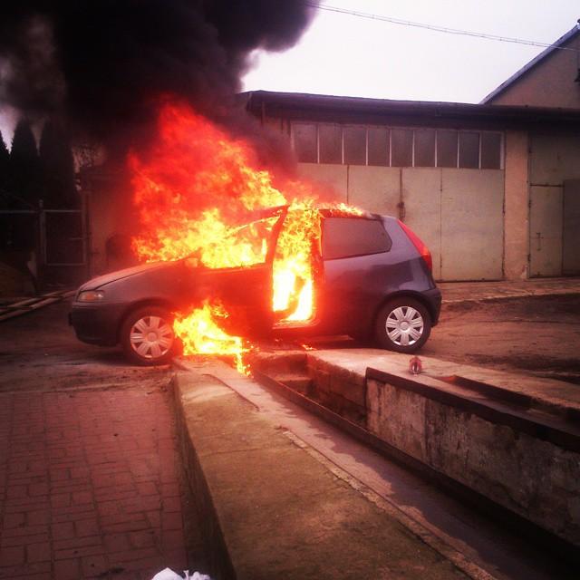 Eksplozja auta w Przasnyszu