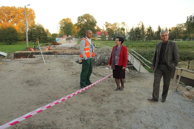 Remont mostu w Obrębcu