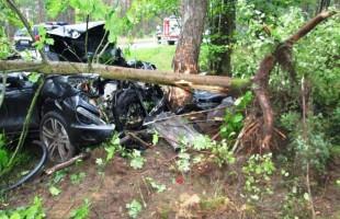 Wypadek samochodu osobowego na drodze krajowej nr 57 w Opaleńcu - foto